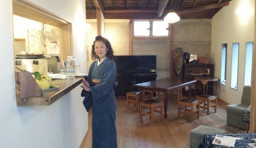 「松阪もめんで街あるき」を演出する、東村呉服店の東村佳子さん